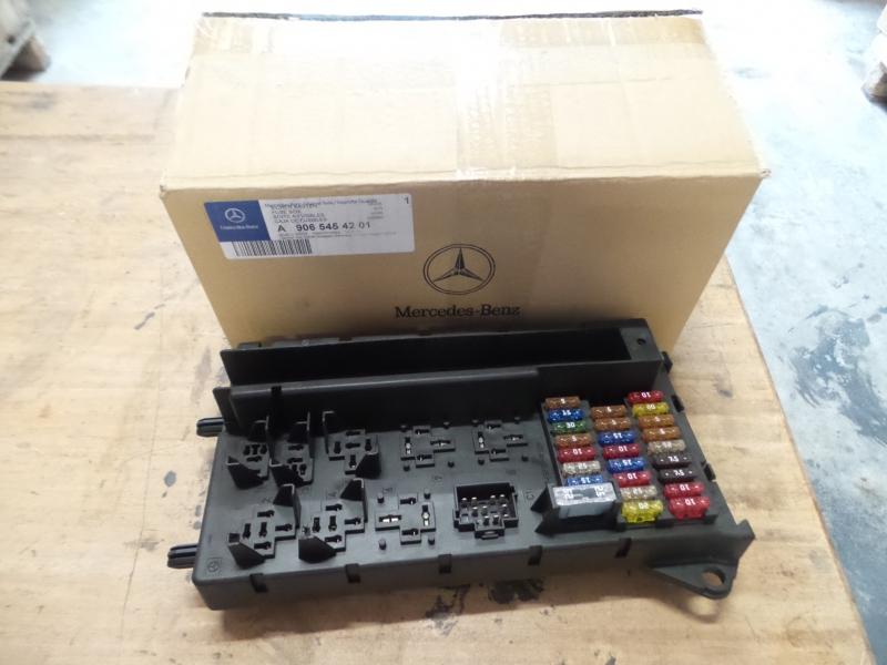 Original Mercedes-Benz w906 Sprinter Boîte à fusibles Dispositif de commande a9065454201